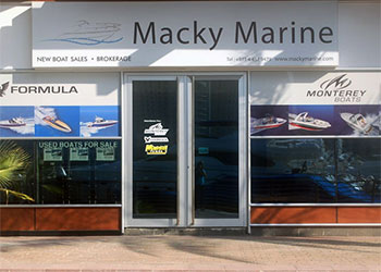 Dubai Yacht Club Showroom Closed